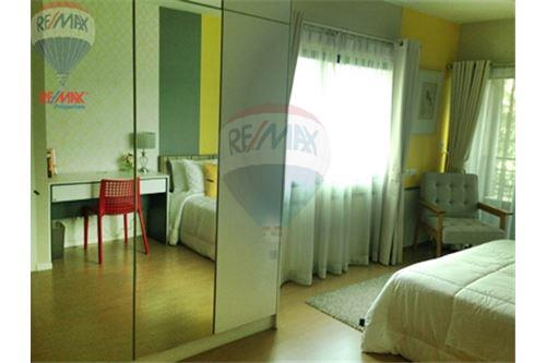 RE/MAX Properties Agency's FOR SALE RENOVA RESIDENCE CHIDLOM  2BED 105SQM 28