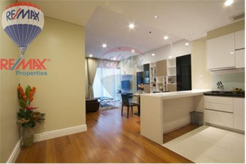 RE/MAX Properties Agency's FOR RENT Bright Sukhumvit 24 1+1BED 75.48SQM. 1