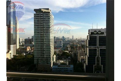 RE/MAX Properties Agency's RENT Life @ Sathorn 10 1BED 42SQM. 5