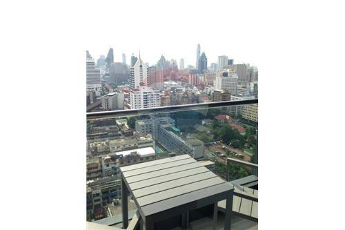 RE/MAX Properties Agency's RENT Hyde Sukhumvit 2BED 85SQM. 4