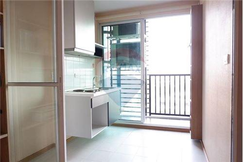 RE/MAX Properties Agency's 1 BED FOR SALE @ The Base Sukhumvit 77 5