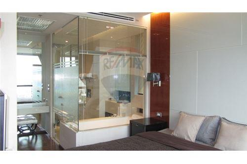RE/MAX Properties Agency's The Address Sukhumvit 28, Condo for sale and rent 8