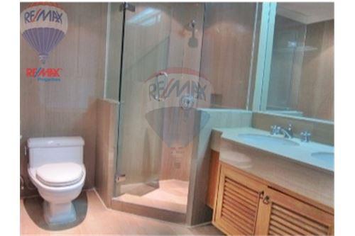 RE/MAX Properties Agency's Langsuan ville - Condos for rent , Bangkok 11