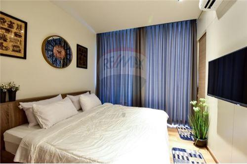RE/MAX Executive Homes Agency's Stunning 1 Bedroom for Rent Park 24 3