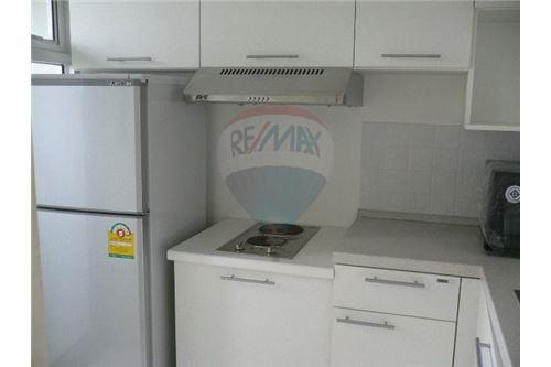 RE/MAX Executive Homes Agency's Spacious 1 Bedroom for Rent Condo One Thonglor 7