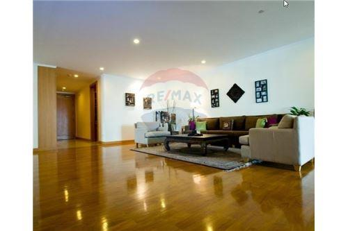 RE/MAX Executive Homes Agency's 3 Bedrooms for Rent near BTS Phromphong 1