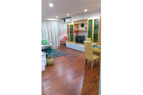 RE/MAX Executive Homes Agency's Spacious 2 Bedroom for Sale Asoke Place 1