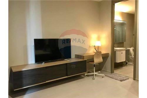 RE/MAX Executive Homes Agency's Nice 1 Bedroom for Rent Noble Phloenchit 3
