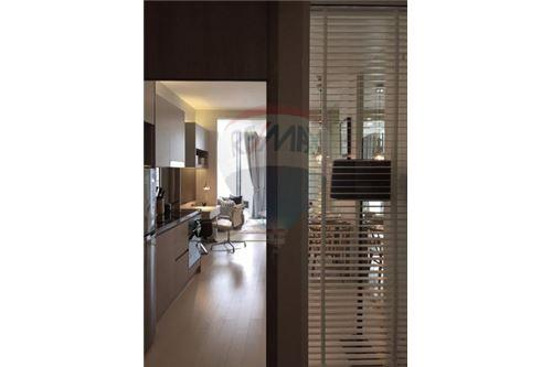 RE/MAX Executive Homes Agency's Stunning 1 Bedroom for Rent Noble Phloenchit 4