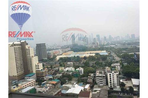 RE/MAX Properties Agency's FOR RENT Aguston Sukhumvit 22 2BED 82SQM. 11