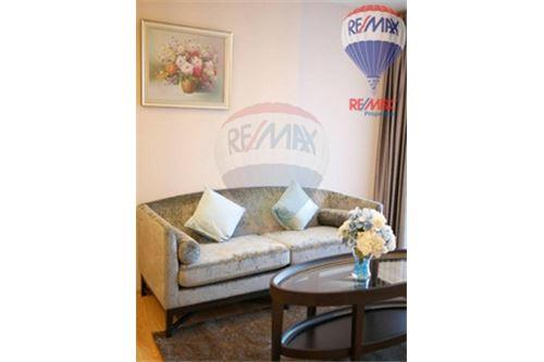 RE/MAX Properties Agency's FOR SALE  H SUKHUMVIT 43  1BED 47.25SQM 7