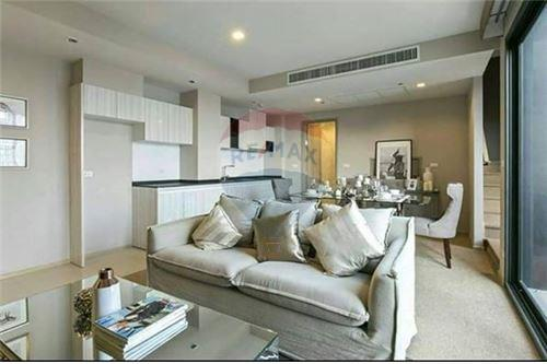 RE/MAX CASA Agency's Luxury Duplex at HQ thonglor rent 70,000 Baht 1