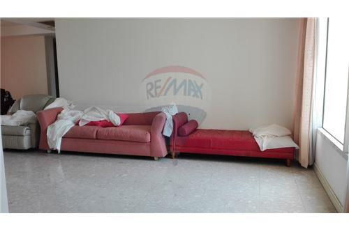 RE/MAX Executive Homes Agency's 3 Bedrooms / Hampton thong lor / For Rent 2