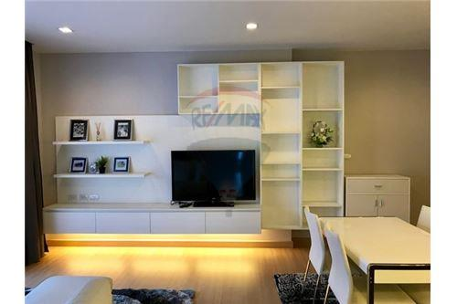 RE/MAX Executive Homes Agency's Beautiful 2 Bedroom for Sale Urbano Absolute 2