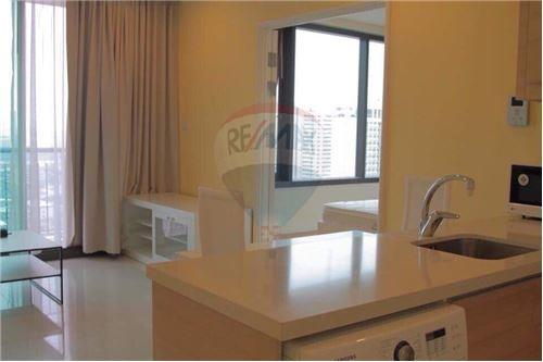 RE/MAX Properties Agency's For RENT 1 BEDROOM 55 SQM at Aguston Sukhumvit 22 2