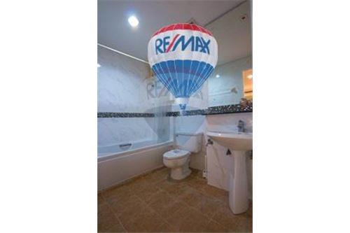 RE/MAX Properties Agency's FOR RENT  THE WATERFORD DIAMOND  2BED 69SQM 4
