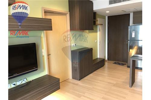 RE/MAX Properties Agency's RENT Siri at Sukhumvit 1BED 51SQM. 3