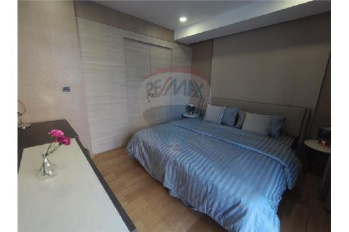 RE/MAX Executive Homes Agency's Nice 1 Bedroom for Rent Klass Langsuan 3