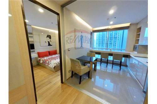 RE/MAX Executive Homes Agency's Beautiful 1 Bedroom for Rent Address Asoke 5