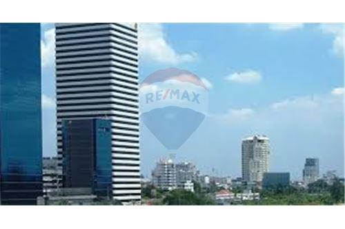 RE/MAX Properties Agency's RENT Office Space Ocean Tower 1 277.14SQM. 4