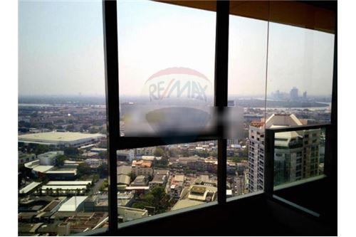 RE/MAX Executive Homes Agency's Nice view 1 Bedroom for Sale Lumpini 24 3