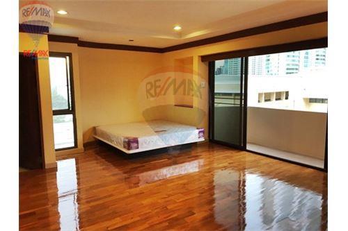 RE/MAX Properties Agency's FOR RENT  LA MAISON SUKHUMVIT 22  2BED 125SQM 8