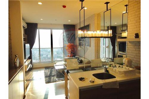 RE/MAX Properties Agency's 1 Bed for Sale At Rhythm Sukhumvit 3
