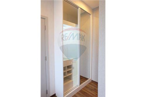 RE/MAX Properties Agency's 1 Bed for sale at Wyne Sukhumvit 6