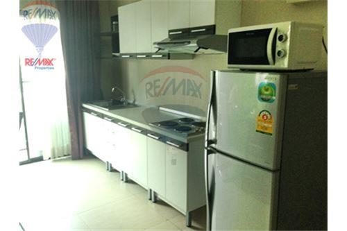 RE/MAX Properties Agency's FOR SALE  RENOVA RESIDENCE CHIDLOM  2BED 79.72SQM 11