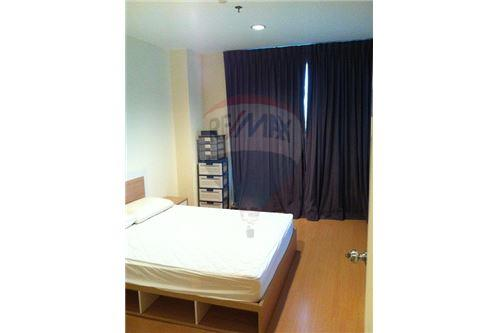 RE/MAX Executive Homes Agency's 1 Bedroom for Rent at life @ Sukhumvit 65 1