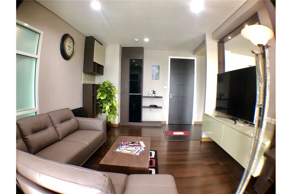 RE/MAX Executive Homes Agency's Spacious 2 Bedroom for Rent Ivy Thonglor 2
