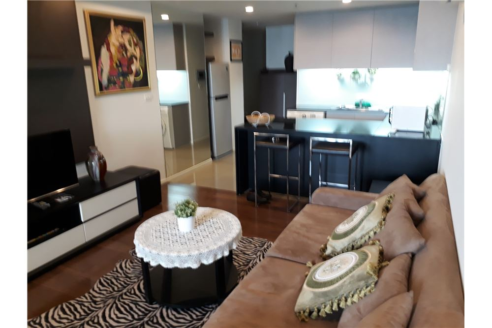 RE/MAX Properties Agency's RENT 15 SUKHUMVIT RESIDENCE 2 BEDS 90 SQM 1