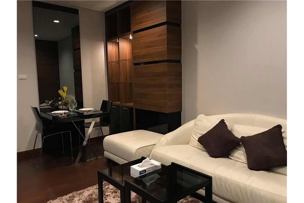 RE/MAX Executive Homes Agency's Cozy Studio type Bedroom for Sale Ivy Thonglor 2
