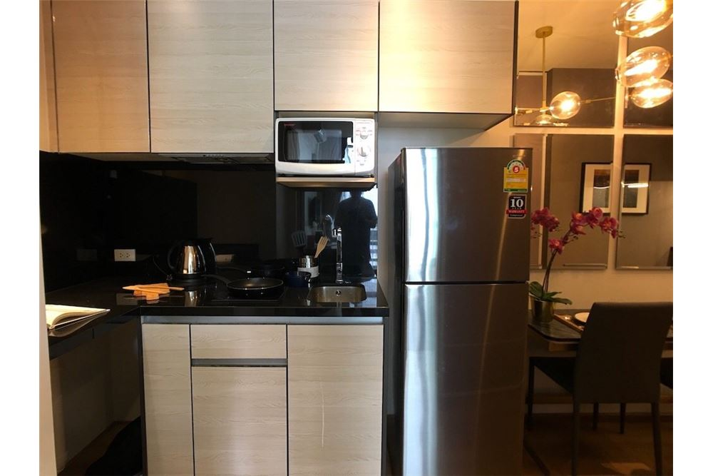 RE/MAX Properties Agency's 1 bed 30,000 for rent at Park 24 8