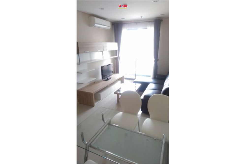 RE/MAX Executive Homes Agency's Villa Asoke 1 Bedroom for Rent Near BTS & MRT 7