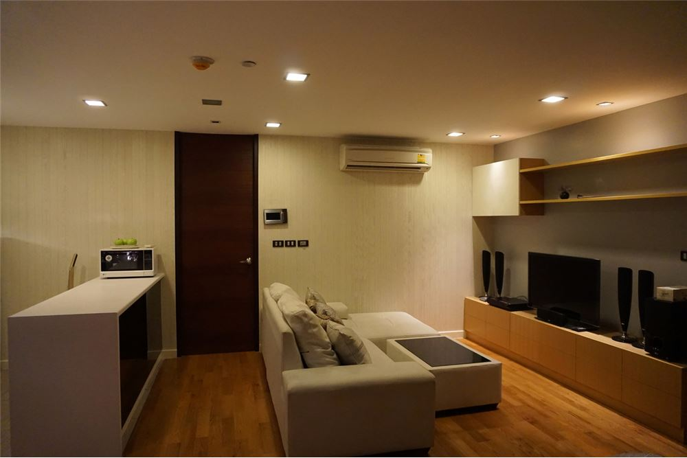 RE/MAX Executive Homes Agency's Quad Silom / 1 Bedroom / For Rent  / 35K 1