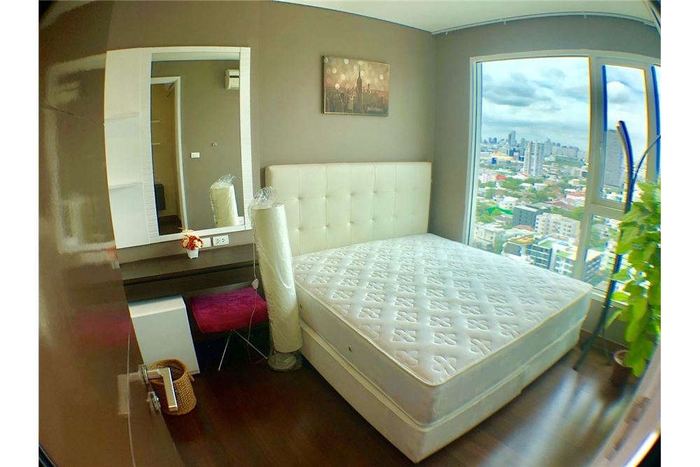 RE/MAX Executive Homes Agency's Spacious 2 Bedroom for Rent Ivy Thonglor 4