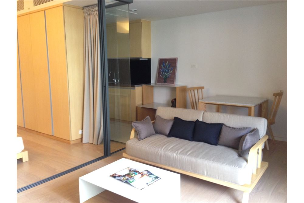 RE/MAX Properties Agency's RENT Siamese Gioia Sukhumvit 31 1BED 50SQM. 2
