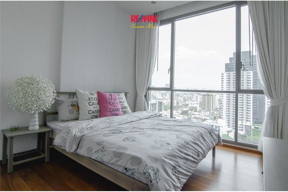RE/MAX Executive Homes Agency's 2 Bedroom for Rent Quattro Thonglor 4