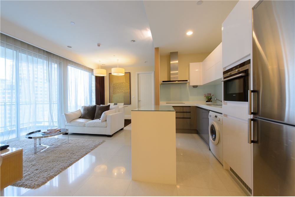RE/MAX Executive Homes Agency's Q House Langsuan Nice 2 Bedrooms For Rent Near BTS 6