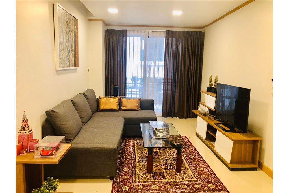 RE/MAX Executive Homes Agency's 1 Bedroom condo for Rent in Silom 4