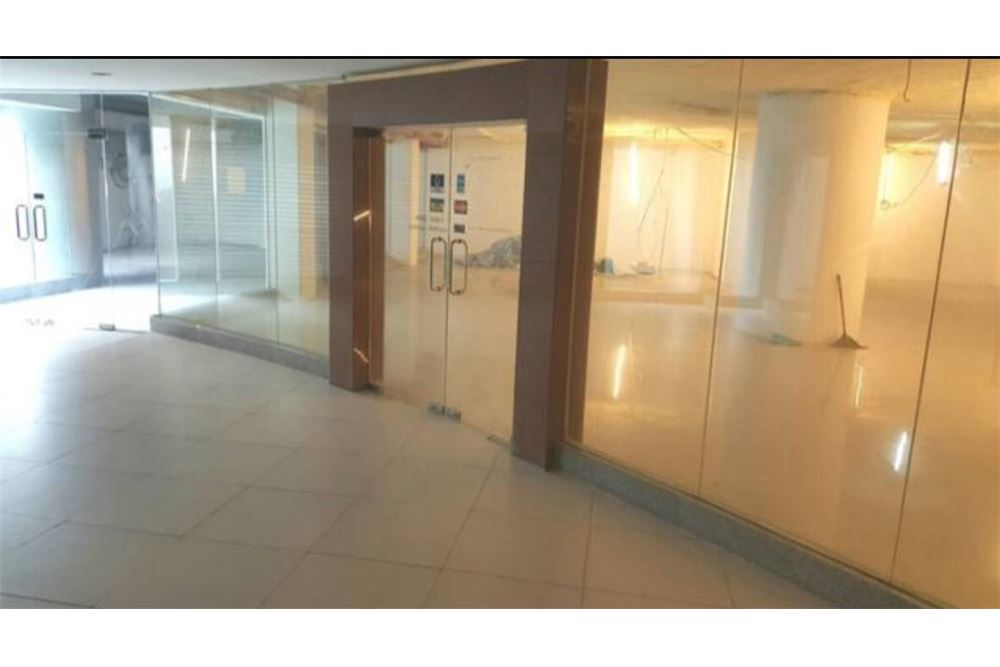 RE/MAX Executive Homes Agency's Space For rent, Commercial For Rent Sukhumvit Soi 1, Good for restaurant, Pub, Gym, Spa, Office, Clinic 1