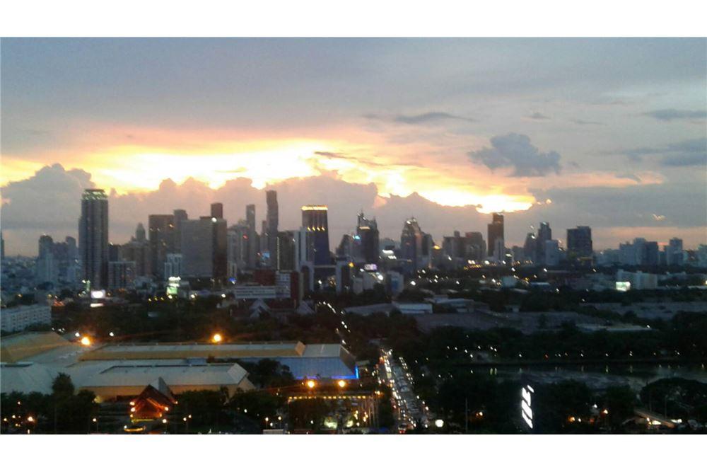 RE/MAX Properties Agency's SALE Aguston Sukhumvit 22 1BED 60SQM. 3