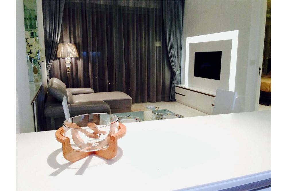 RE/MAX Properties Agency's 1 Bed for rent 80,000 at Rajadamri 1