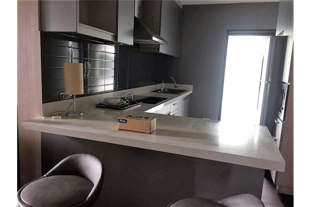 RE/MAX Executive Homes Agency's Condo for rent near BTS Thong Lo 180 sqm 2