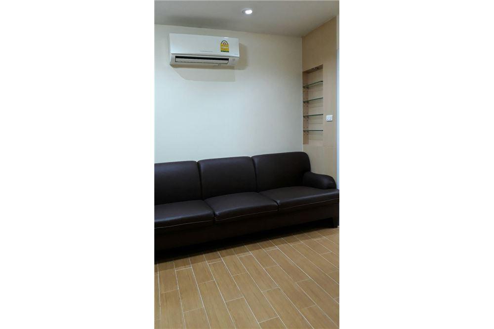 RE/MAX Properties Agency's Rent 2bedroom @Navin Court 4