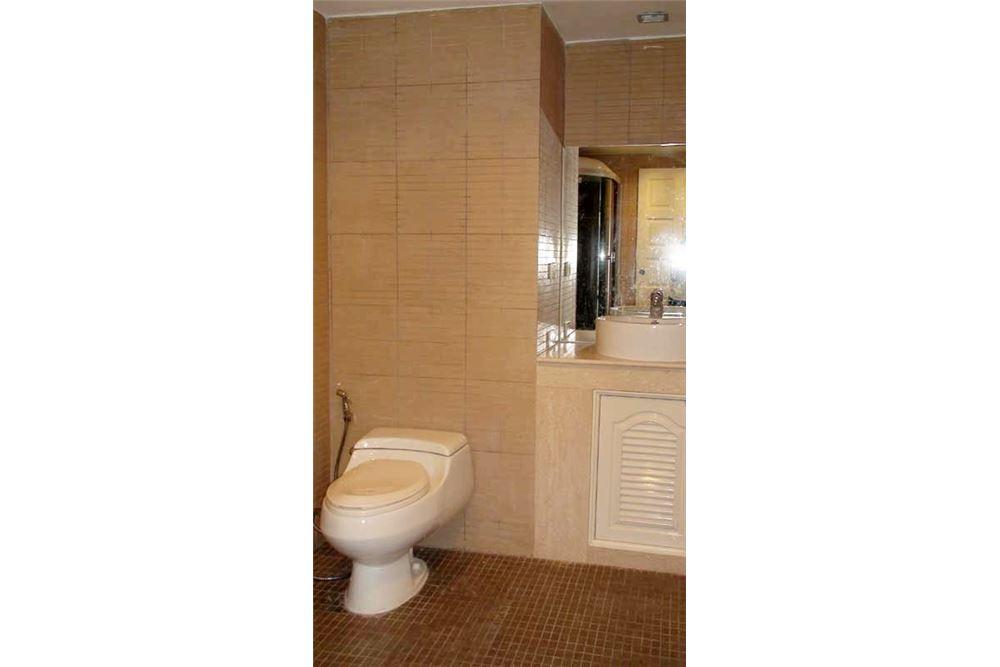 RE/MAX Properties Agency's Floraville Condominium Suite 303 sq.m., 9.5 MB 7
