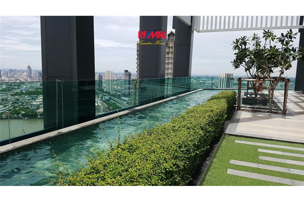 RE/MAX Executive Homes Agency's Condominium for rent - Sathorn 8