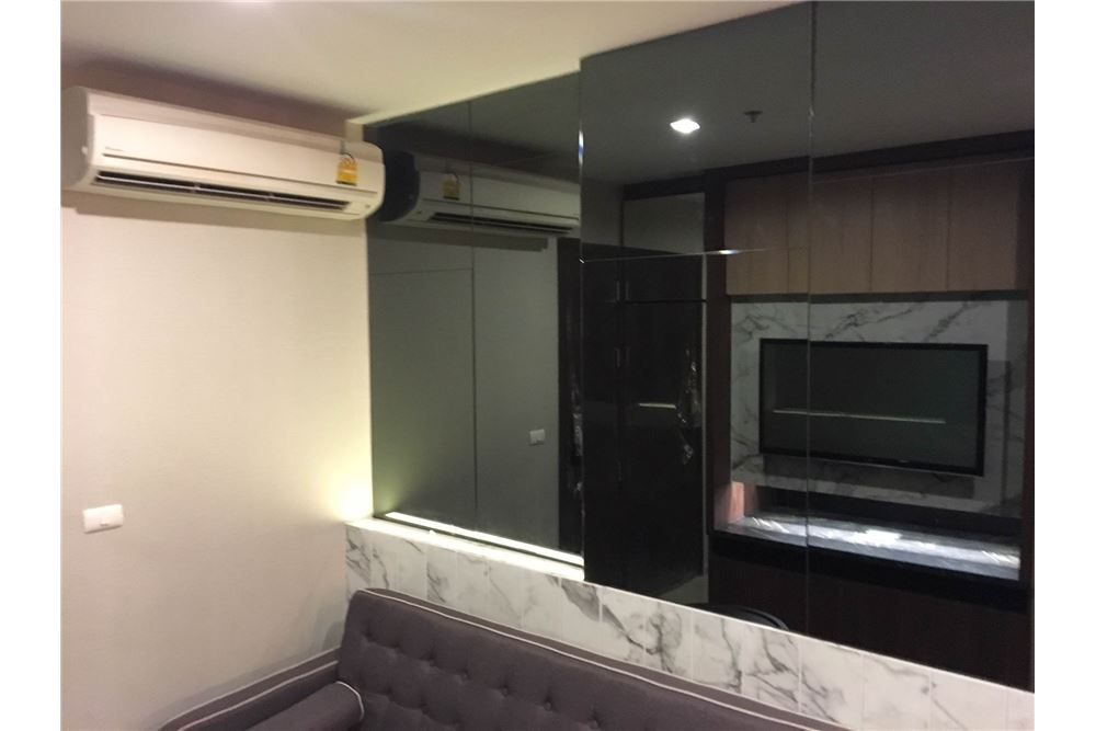 RE/MAX Properties Agency's Brand new 1 Bedroom for rent Rhythm Asoke 8
