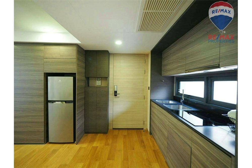 RE/MAX Properties Agency's SALE KLASS LANGSUAN 2 BEDS 72.1 SQM 3